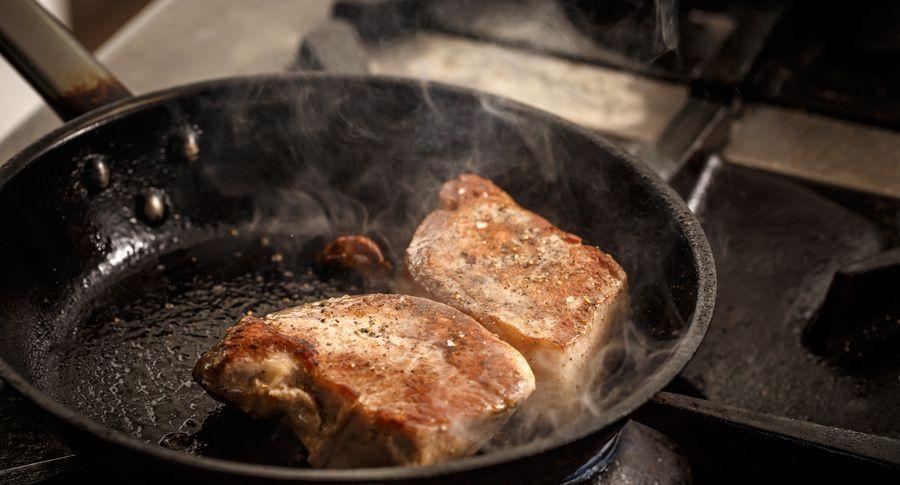Багато господинь використовують сковороди неправильно. Перевірте, чи не припускаєте ви цих помилок