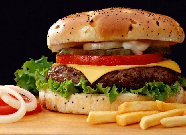 Дізнайтеся різницю між хорошими і поганими жирами, щоб схуднути