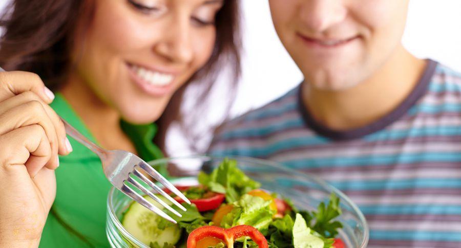 Ось чому не можна їсти огірки та помідори в одному салаті!